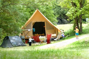 Tente trappeur - Camping en bord de rivière la Ferme de Clareau